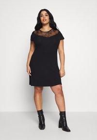 Even&Odd Curvy - Žerzejové šaty - black - 0