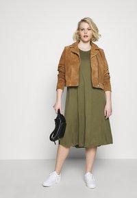 Even&Odd Curvy - BASIC JERSEY DRESS - Jersey dress - burnt olive - 1