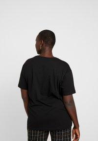 Even&Odd Curvy - Camiseta estampada - black - 2