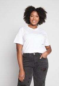 Even&Odd Curvy - 2 PACK - T-shirts - white/black - 2