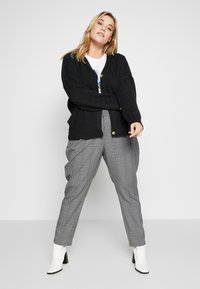 Even&Odd Curvy - Cardigan - black - 1