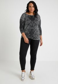 Even&Odd Curvy - Jeansy Skinny Fit - black - 1