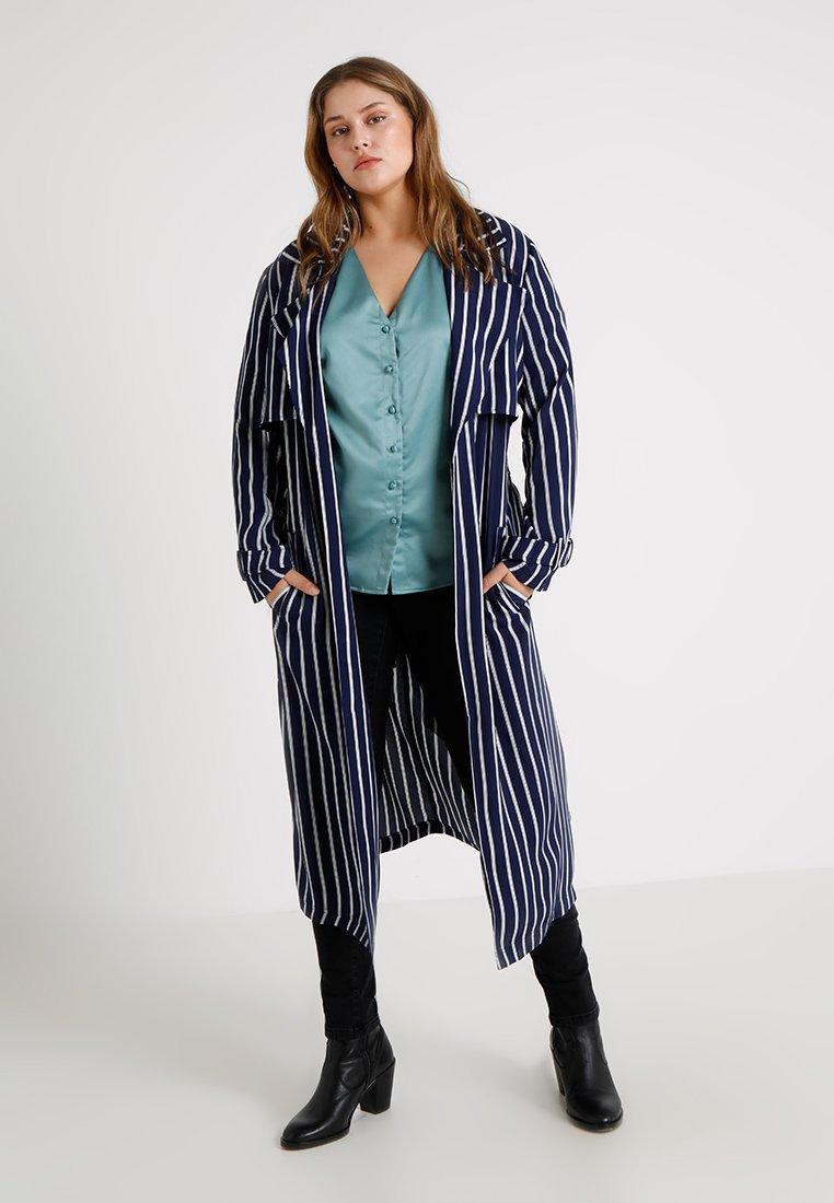 Even&Odd Curvy - Trenchcoat - dark blue/white
