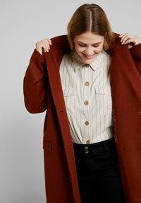 Even&Odd Curvy - Classic coat - red - 4