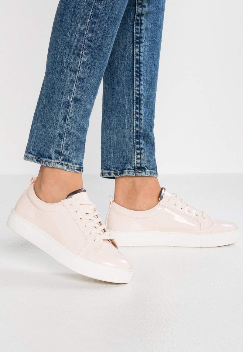 Even&Odd Wide Fit - Trainers - nude