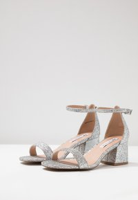 Even&Odd Wide Fit - Sandals - silver - 4