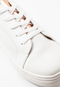 Even&Odd Wide Fit - Sneakersy niskie - white/rose gold - 2