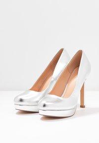 Even&Odd Wide Fit - Zapatos altos - silver - 4