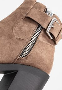Even&Odd Wide Fit - Ankle boot - taupe - 2