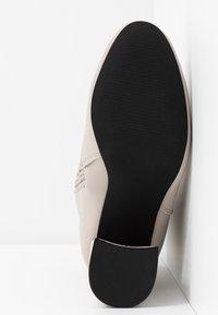 Even&Odd Wide Fit - Stivaletti con tacco - light grey - 6