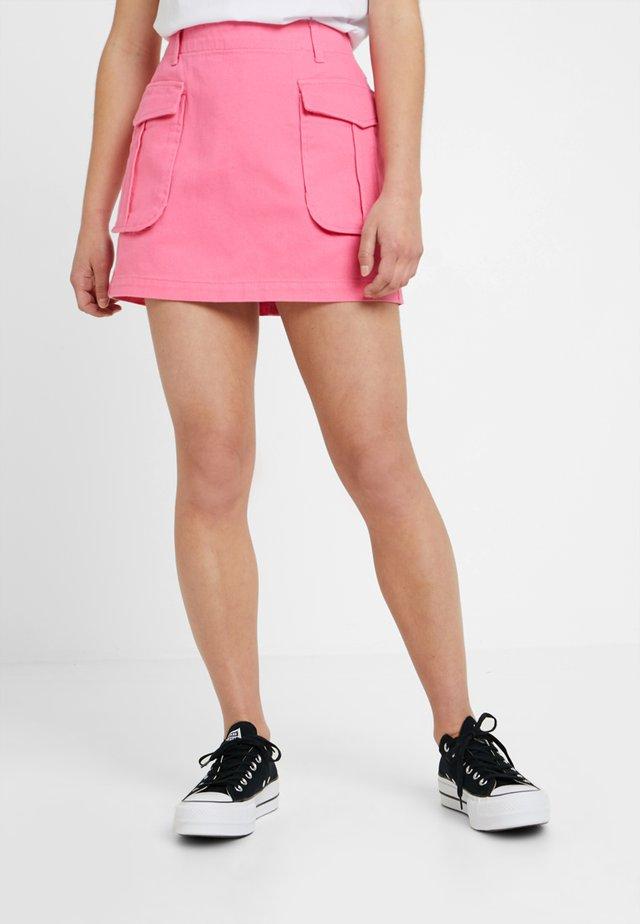 Spódnica trapezowa - pink