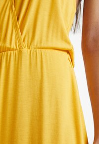 Even&Odd Petite - Maxi šaty - mustard - 5