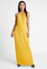 Even&Odd Petite - Maxi šaty - mustard - 1
