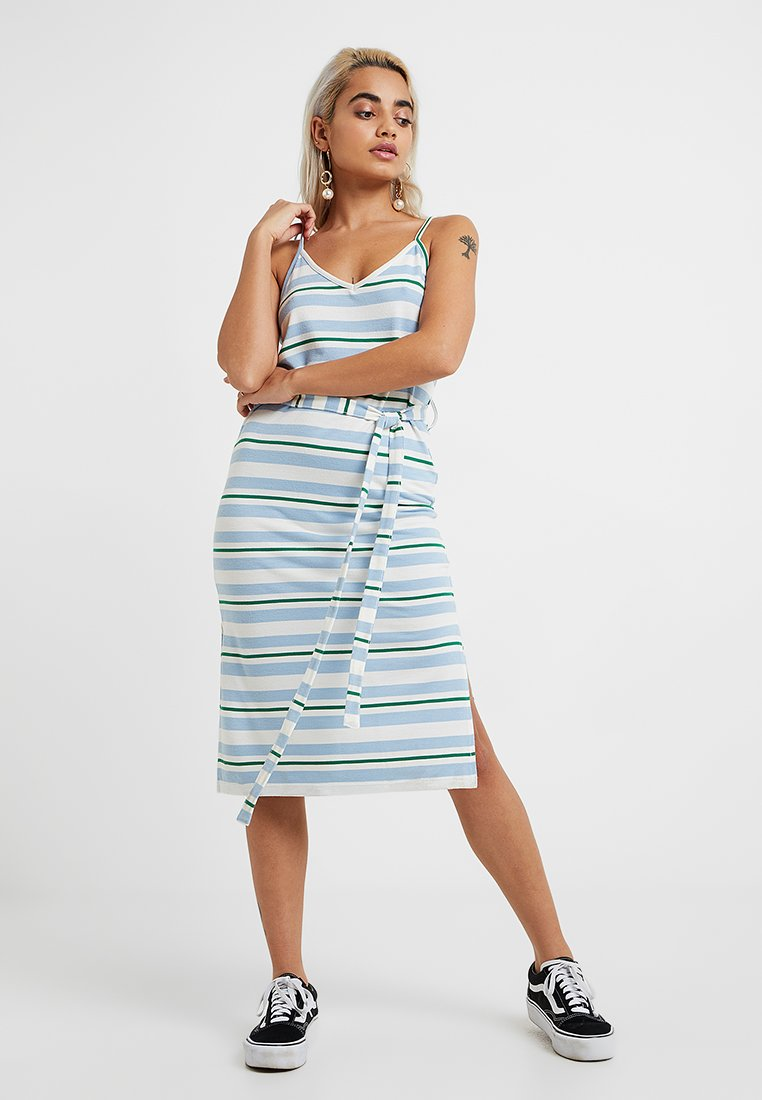 Even&Odd Petite - Jumper dress - white/blue