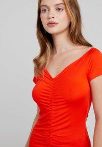 Even&Odd Petite - Shift dress - mandarine red - 4