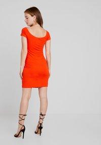 Even&Odd Petite - Shift dress - mandarine red - 2