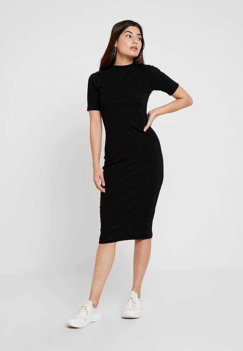 Even&Odd Petite - Žerzejové šaty - black