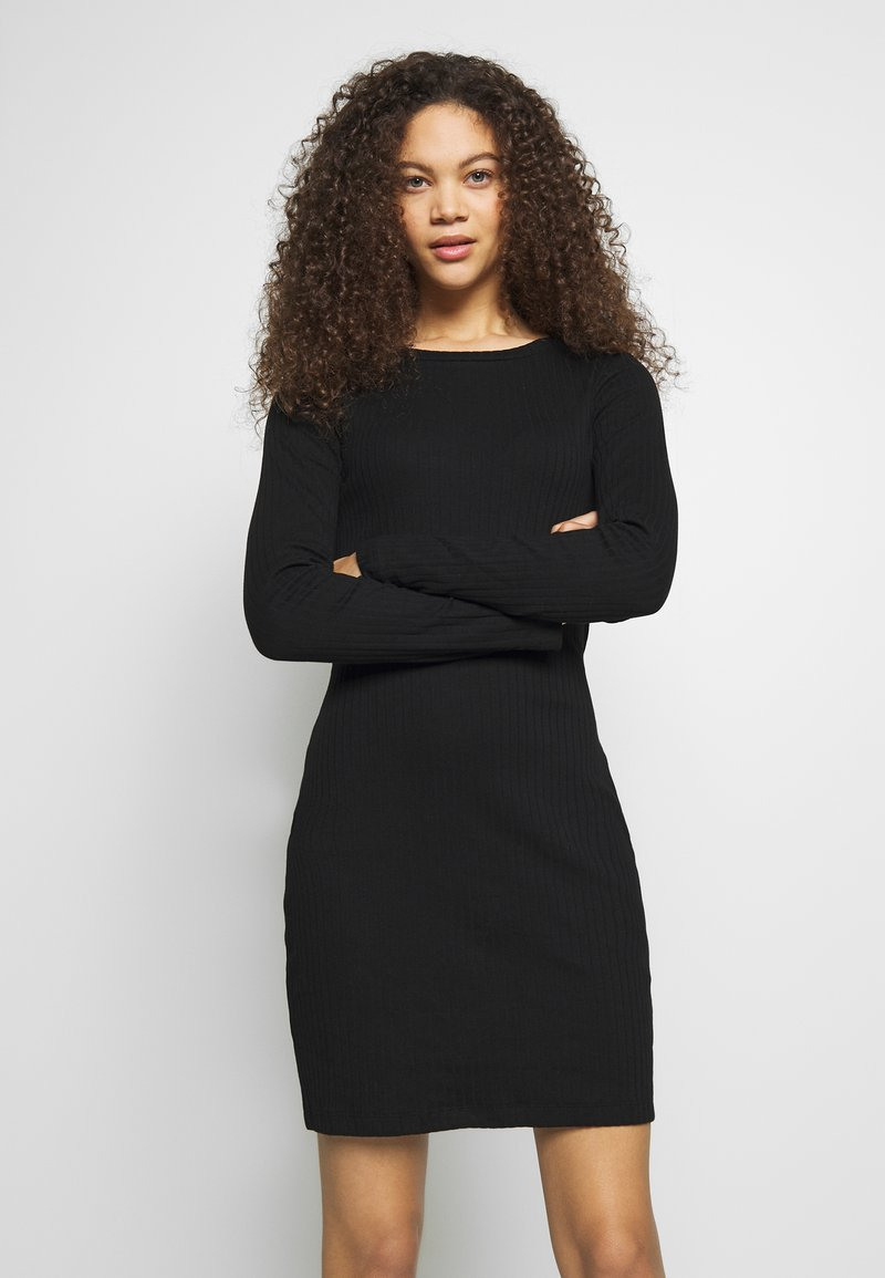 Even&Odd Petite - DRESS BODYON SOLID - Jerseykjole - black