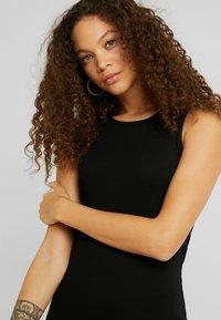Even&Odd Petite - Maxi dress - black - 4