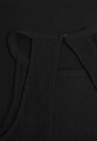 Even&Odd Petite - Robe fourreau - black - 2