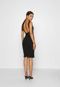 Even&Odd Petite - Vestido de tubo - black - 2