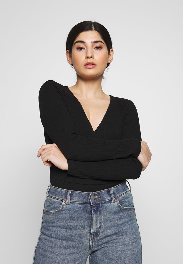 Long sleeved top - black