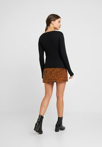 Even&Odd Petite - BASIC CREW NECK - Top s dlouhým rukávem - black - 2