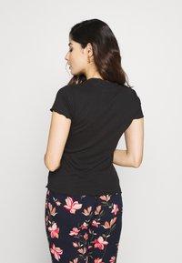 Even&Odd Petite - 2ER PACK - Camiseta básica - goji berry/black - 3