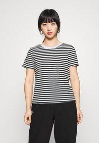 Even&Odd Petite - T-shirt con stampa - black/white - 0