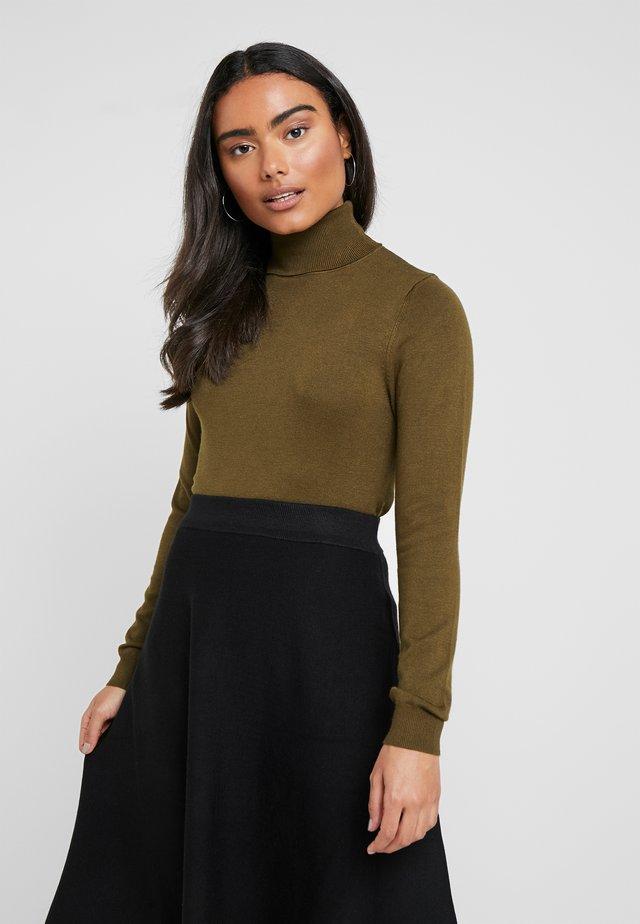 Stickad tröja - oliv