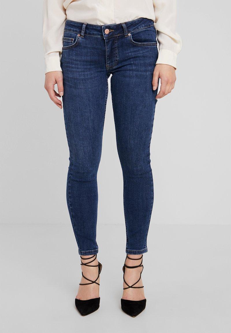 Even&Odd Petite - Jeans Skinny Fit - dark blue denim