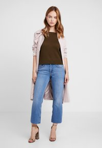 Even&Odd Petite - Flared jeans - light blue - 1