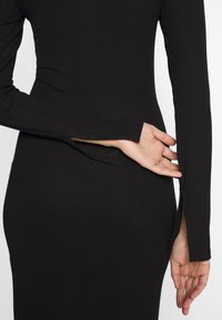 Even&Odd Tall - BASIC SHIFT DRESS - Shift dress - black - 5