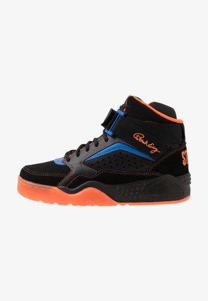 FOCUS X STARKS - Zapatillas skate - black/red/orange