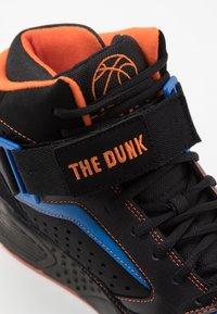 Ewing - FOCUS X STARKS - Skate shoes - black/red/orange - 6