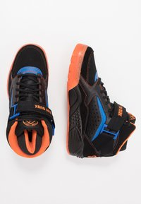 Ewing - FOCUS X STARKS - Skate shoes - black/red/orange - 1