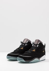 Ewing - SPORT LITE X BIG L - High-top trainers - black/white/ice - 2