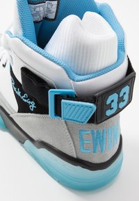 Ewing - 33 EPMD - High-top trainers - white/grey/blue - 6