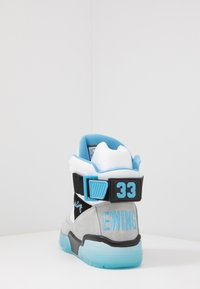 Ewing - 33 EPMD - High-top trainers - white/grey/blue - 3