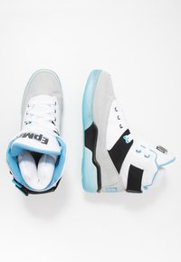 Ewing - 33 EPMD - High-top trainers - white/grey/blue - 1