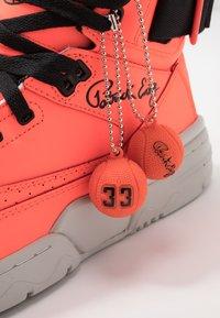 Ewing - 33 - Vysoké tenisky - alarm red - 5