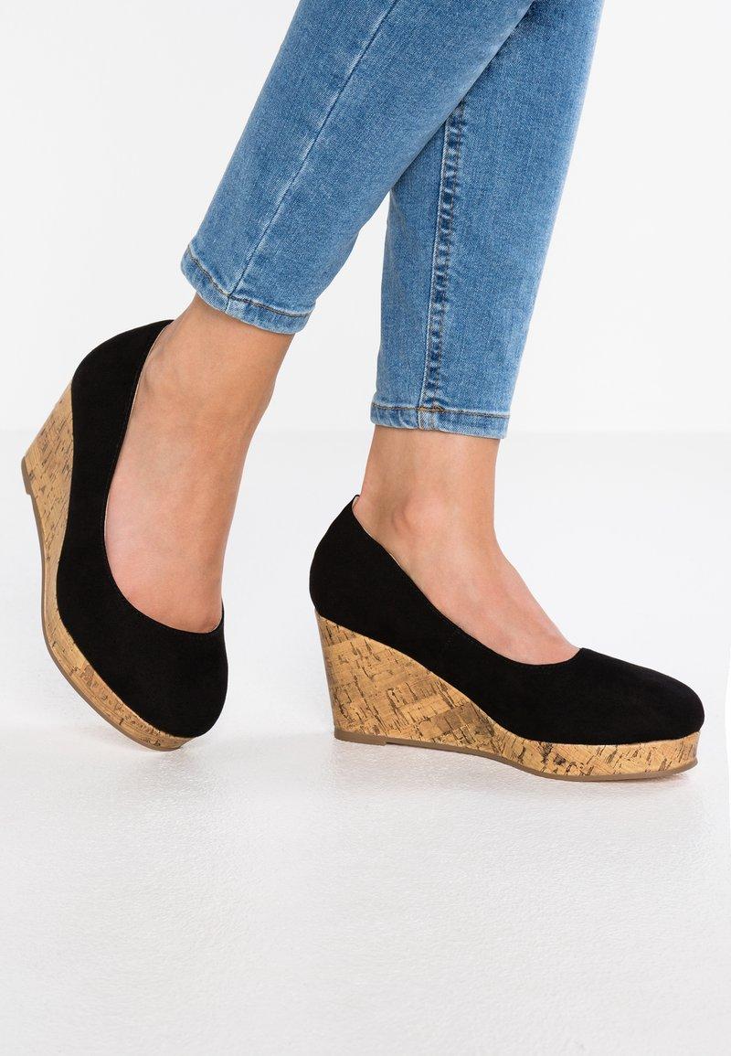 Evans - WIDE FIT FLORENCE - Platform heels - black