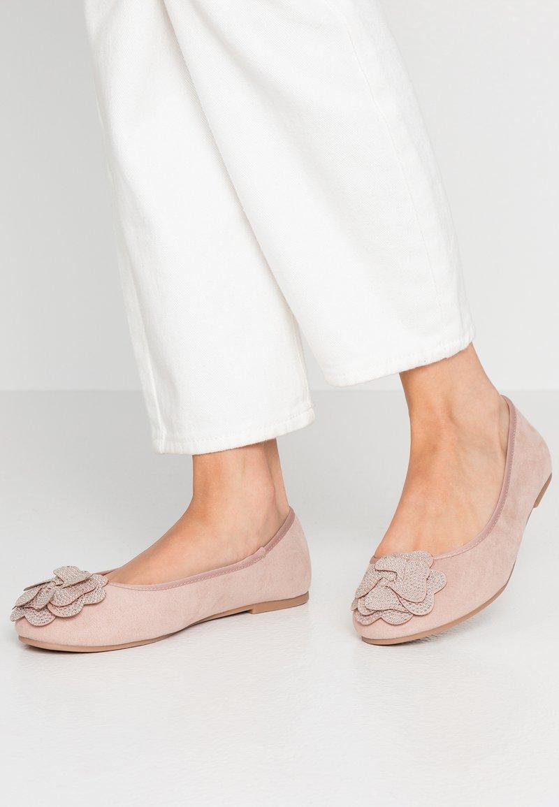 Evans - WIDE FIT RAJA - Ballet pumps - neutral