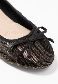 Evans - WIDE FIT RAYE SEQUIN - Baleríny - pewter - 2