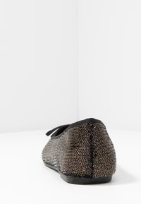 Evans - WIDE FIT RAYE SEQUIN - Baleríny - pewter - 5