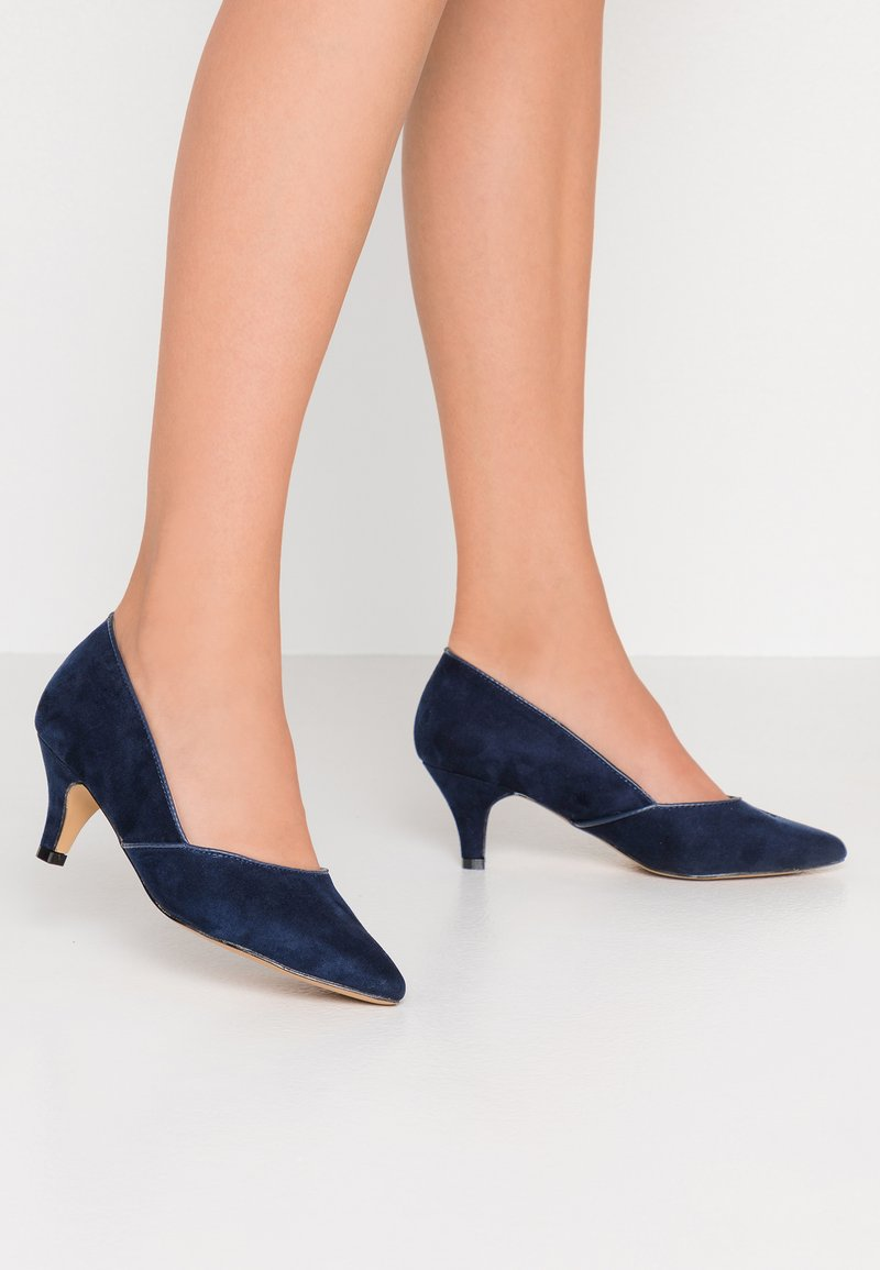 Evans - WIDE FIT KITTEN HEEL COURT - Pumps - navy