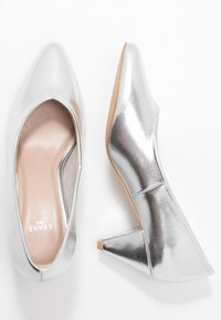 Evans - WIDE FIT FLISS CONE HEEL COURT - Klassiske pumps - silver - 3