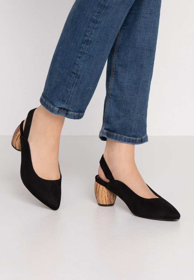 WIDE FIT FRECKLE SLINGBACK WOODEN HEEL COURT - Czółenka - black