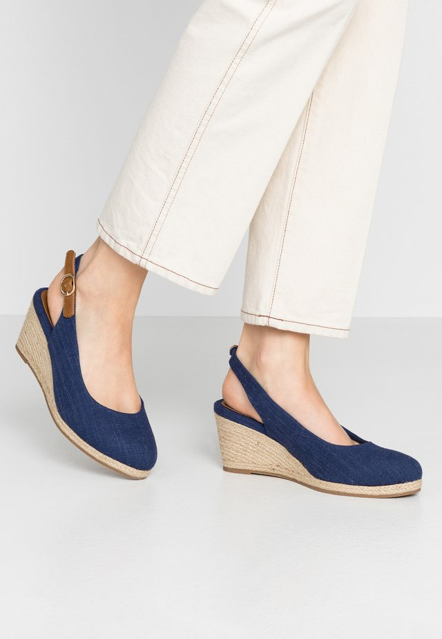 WIDE FIT SLING BACK WEDGE - Wedge sandals - navy