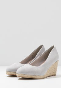 Evans - WIDE FIT CLOSED TOE WEDGE - Sleehakken - grey - 4